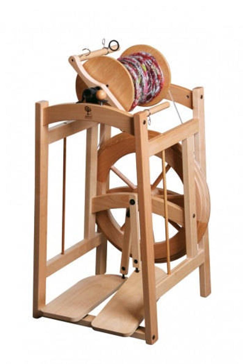 The Best Spinning Wheel for Spinning Art Yarn